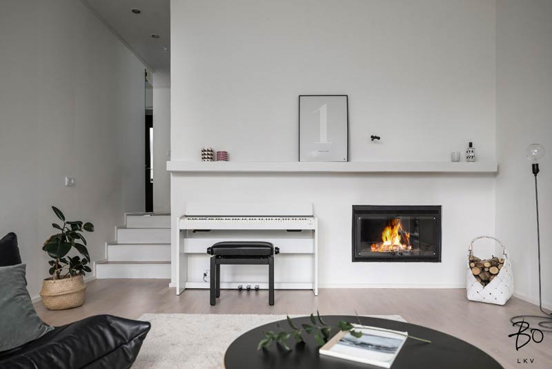 make fireplace focal point 09